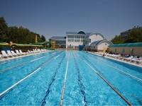 Плавательный бассейн